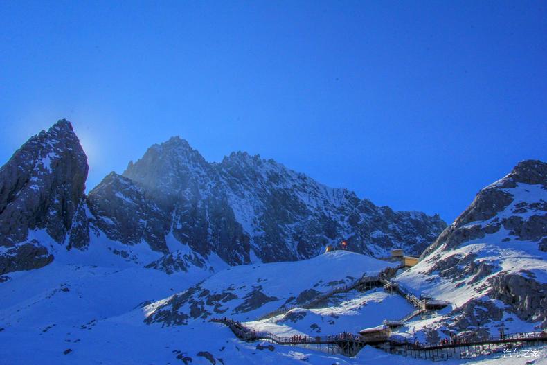 玉龙雪山海拔高度_登顶玉龙雪山,拍下浑然天成的风景画